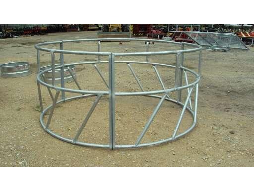 TARTER Galvanized round bale hay ring
