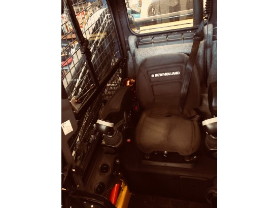 2015 NEW HOLLAND L228 T4-B    29 Hours  Vertical Lift Loader Package ,Monroe, NY - 5001357573 - EquipmentTrader
