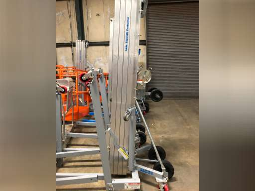 36 single manlift push-type