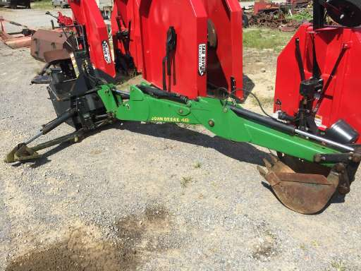 JOHN DEERE 48 Backhoe Attachment